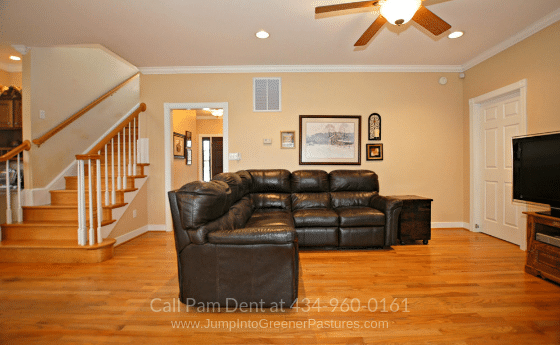 Fluvanna VA Country Properties for Sale - Endless fun and entertainment await you and your loved ones at the spacious family room of this Fluvanna VA country home for sale.
